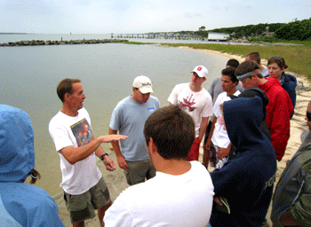 Dr. Jeff Buckel speaks with visitors to CMAST about estuarine ecology.